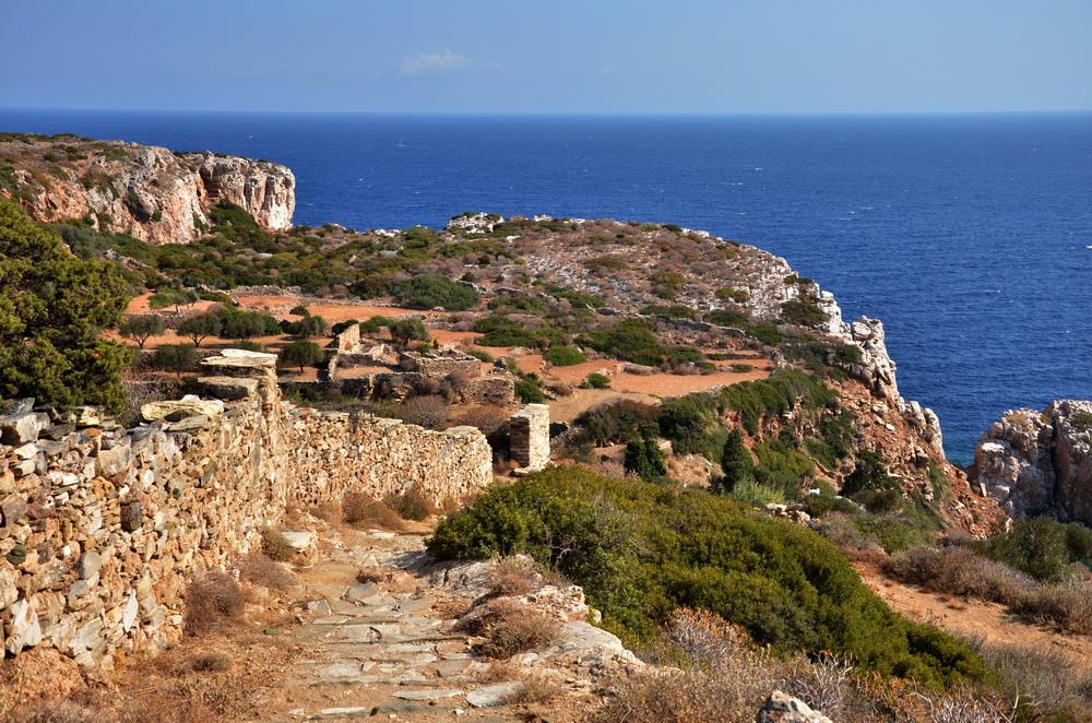 Cyclades occidentales, une destination de randonnée : un sentier à Sifnos