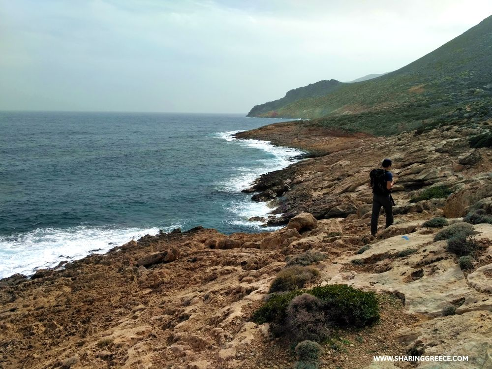 Randonnée côtière pendant le voyage en Crète de l'Est