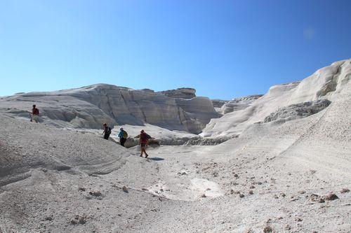 Circuit de randonnée Cyclades occidentales : Milos, plage de Sarakiniko