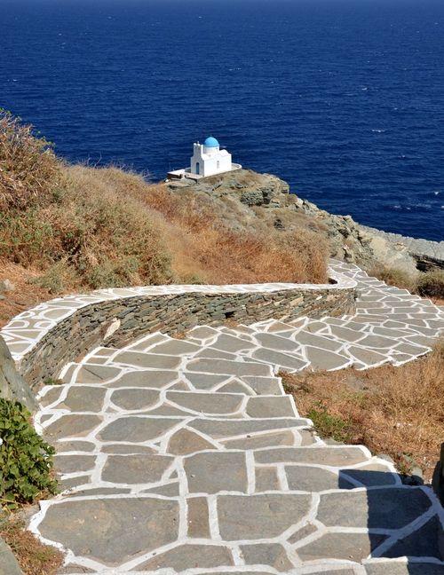 Circuit de randonnée Sifnos et Milos, église d'Eftamartyres près de Kastro