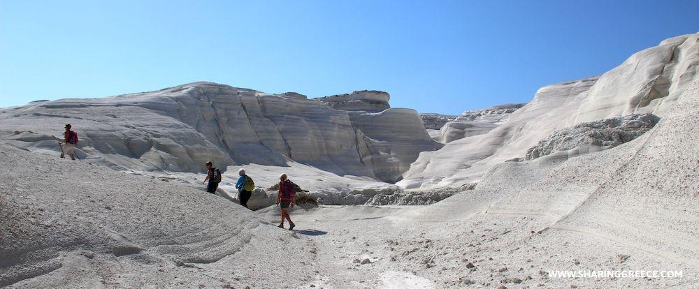 Village de Klima sur le chemin de randonnée à Milos dans les Cyclades occidentales