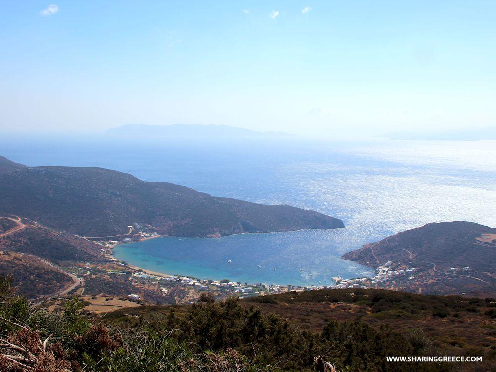 Randonnée en Grèce avec Sharing Greece, Cyclades, Sifnos, descente vers la baie de Vathy