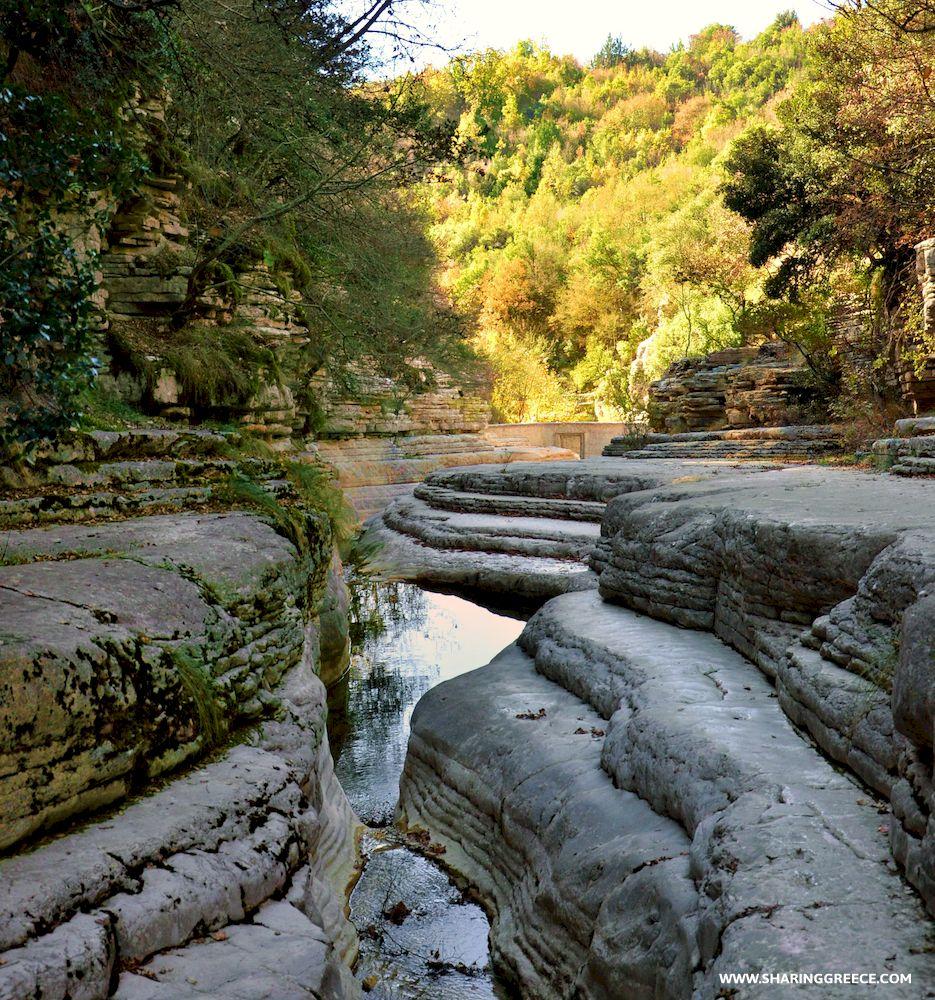 Circuit Épire Météores et Corfou : itinéraire de randonnée en aller-retour de Mikro Papigo à Ano Kleinonia